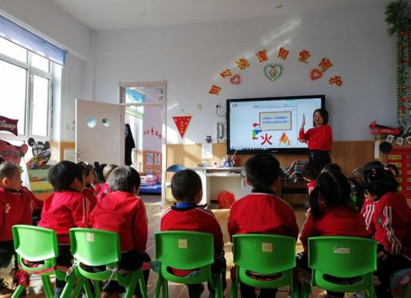 黑龙江农垦格球山农场幼儿园开展消防安全演练