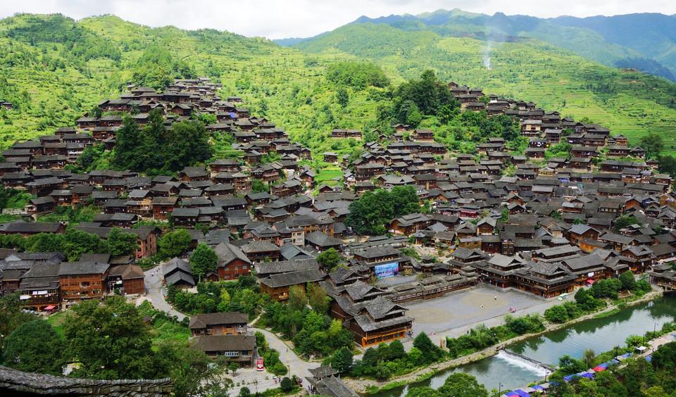 越南经济总量相当那个省_越南近十年经济增速图