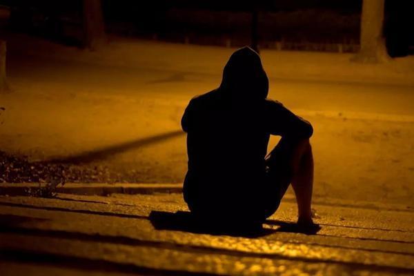 上海17岁男孩跳桥:毁掉一个孩子,一句话就够了
