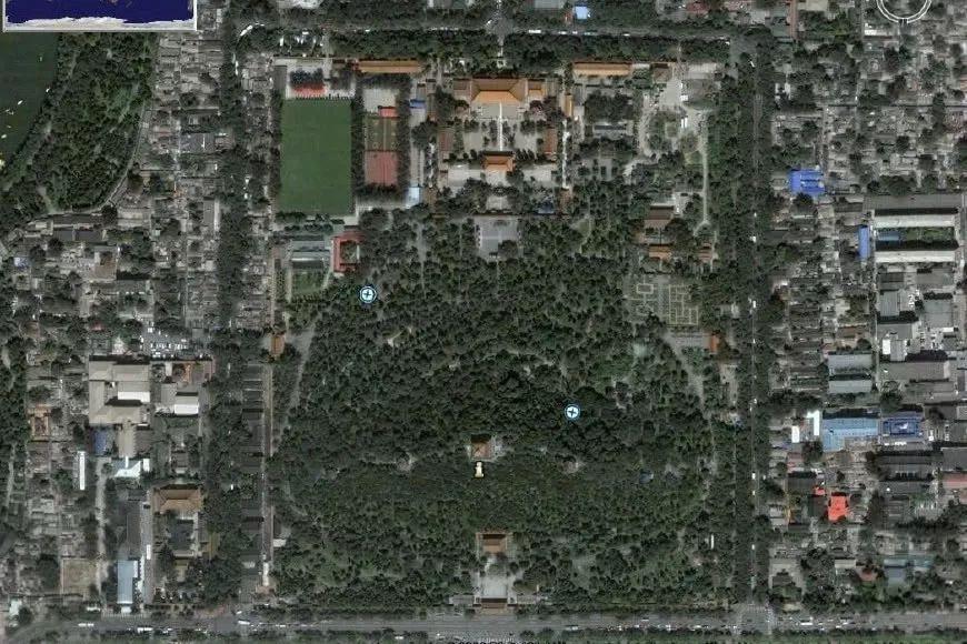 北京景山公园平面图中 景山坐像 之谜