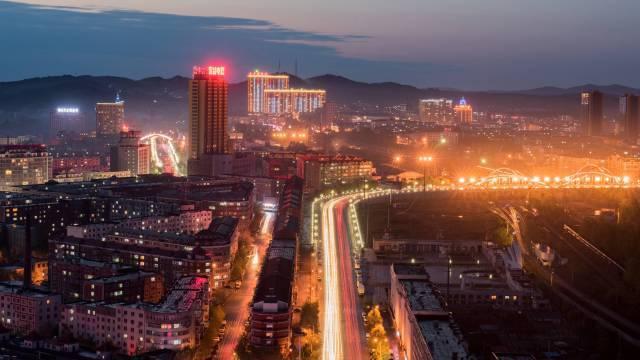 东北鹤岗房子万元一套?北京程序员年薪过百万七年才能付首付!