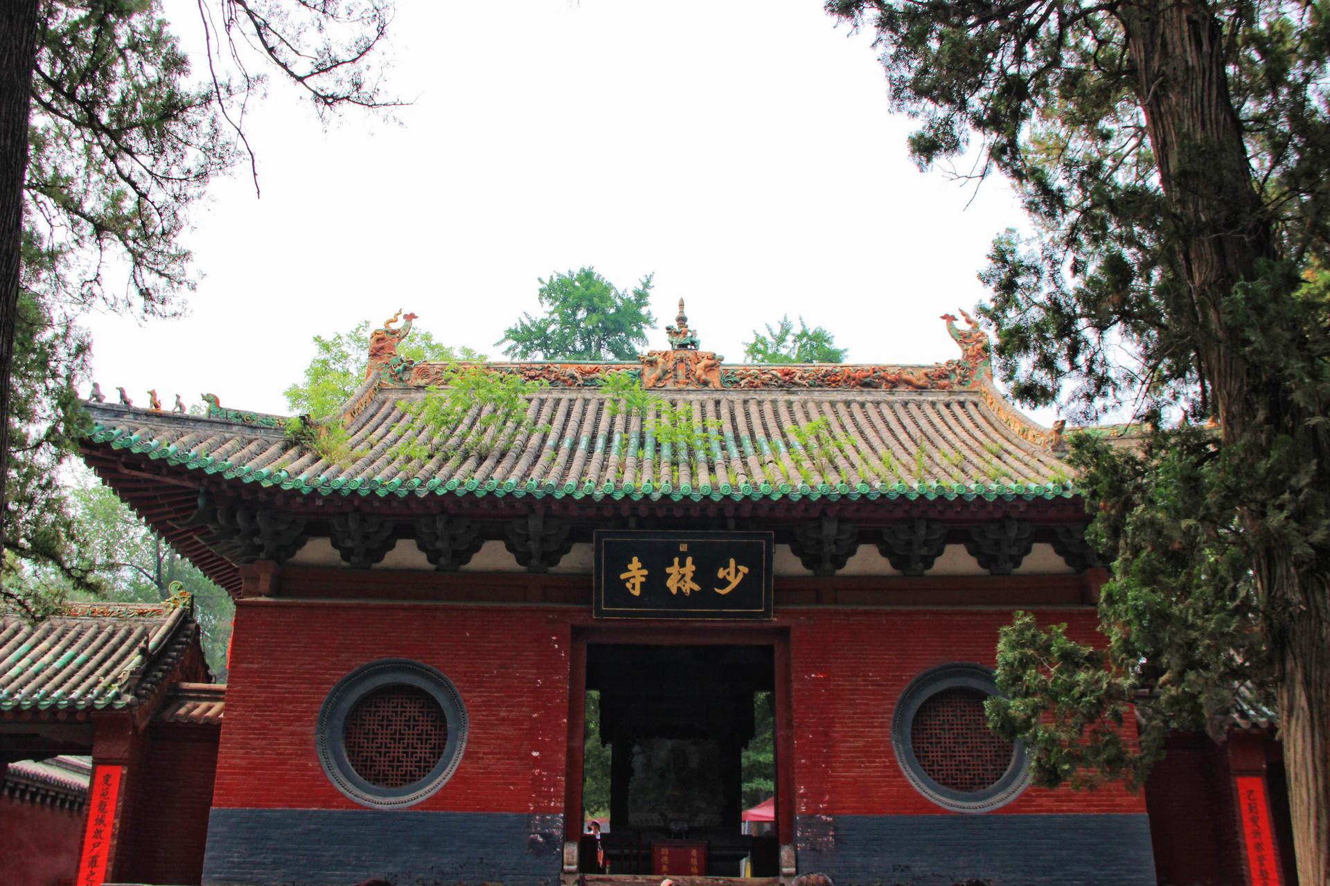 河南除了少林寺,这两座寺庙也是千年古寺,曾比少林寺更辉煌