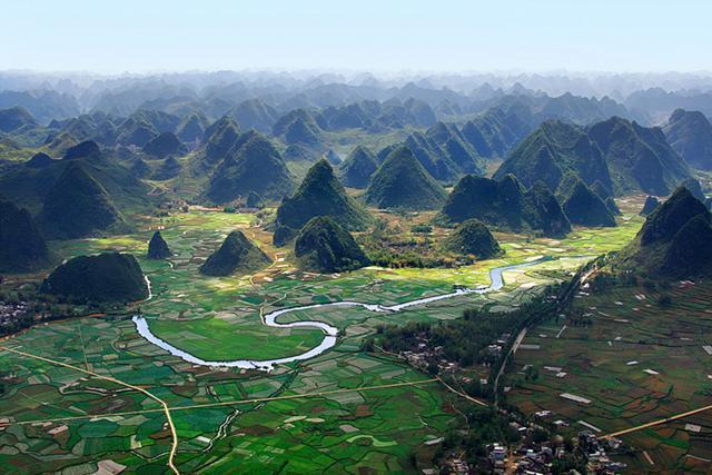 中国唯一集徒步 漂流 瀑布 溶洞 森林旅游的古龙山大峡谷