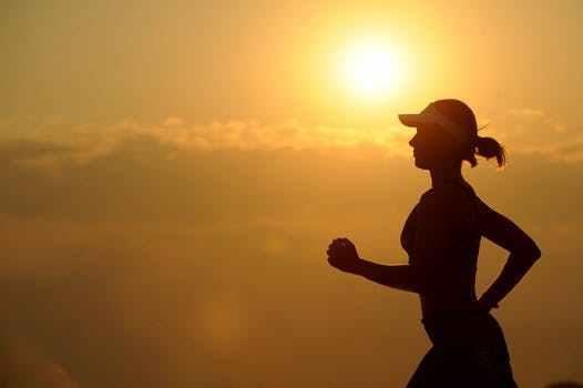 每天少吃饭不运动可以减肥吗图片