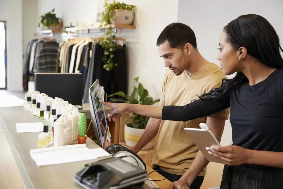 老板:请不要在『拿钱』的地方做与『业绩』无关的事!