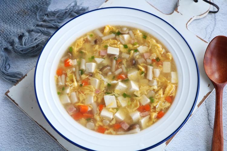 春天多喝这道菌菇汤,我家隔天做一次,每次上桌一滴不剩!