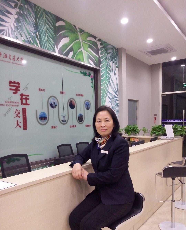 【周末】开挂!49岁宿管阿姨和儿子一起考上研究生
