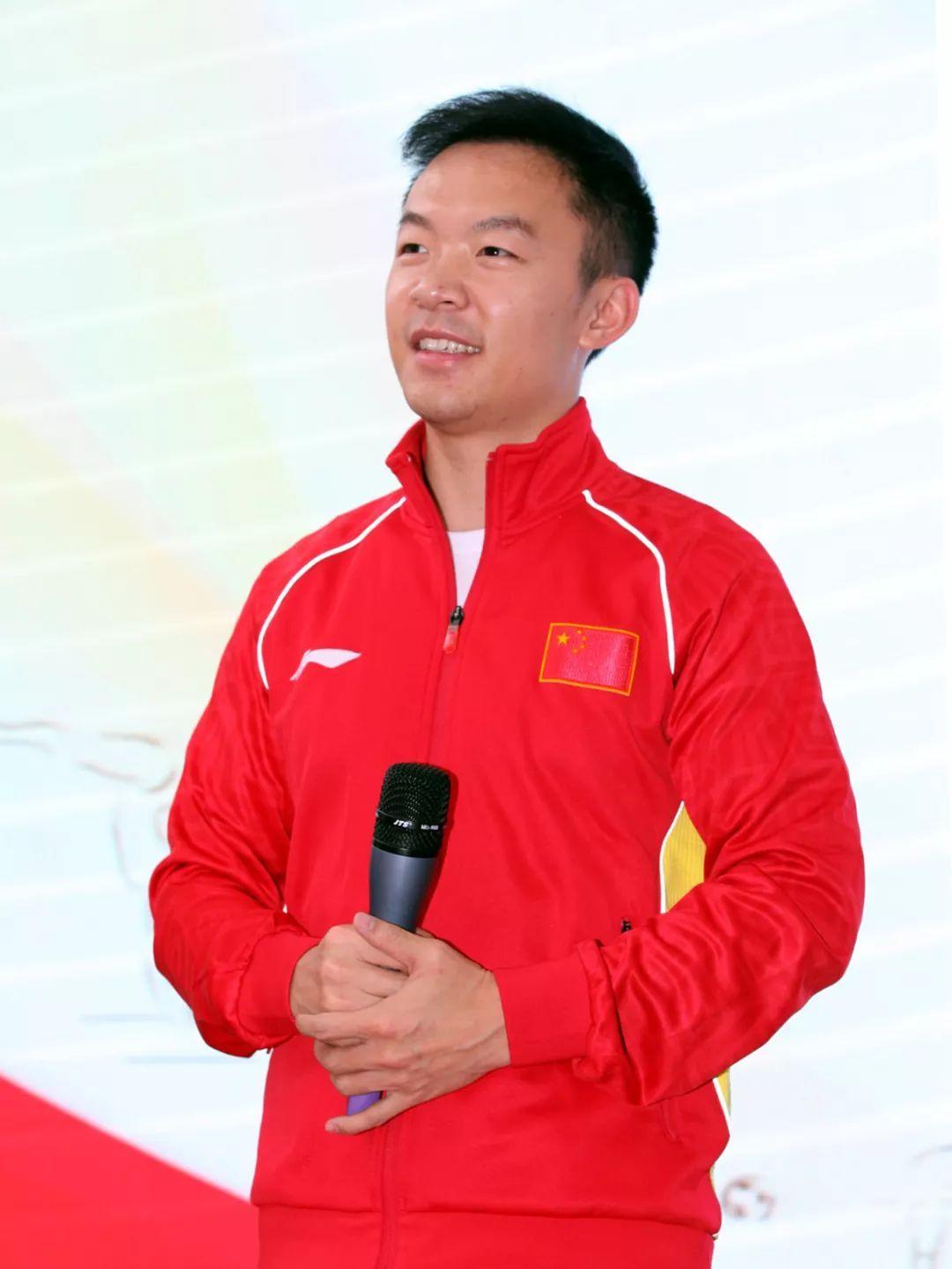 2019冠军健康行新闻发布会4奥运冠军之郭伟阳、宋妮娜
