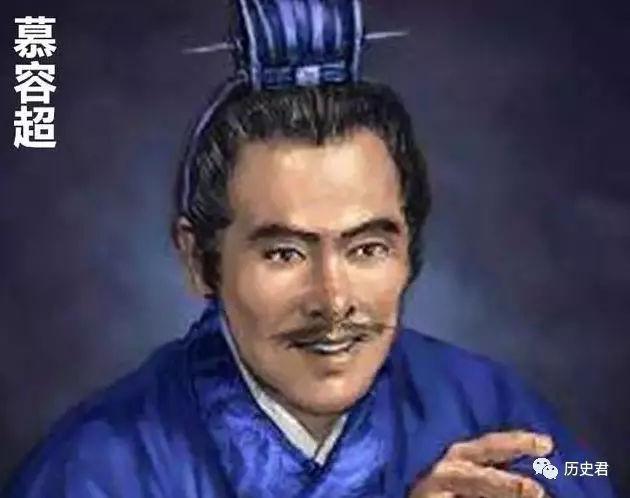 家族被诛灭,此人装疯卖傻当乞丐,因为有一把金刀,20岁就当皇帝