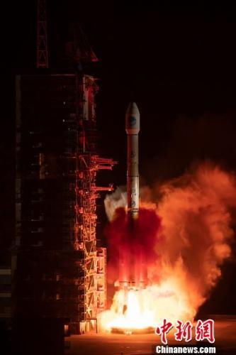 <strong>中国成功发射北斗三号系统首颗倾斜地球同步轨道卫星</strong>