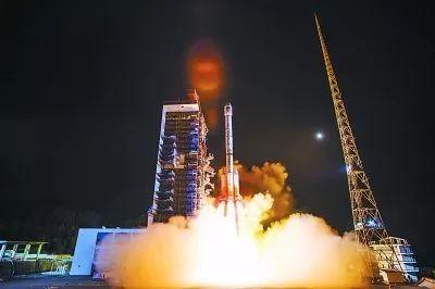 北斗三号系统首颗倾斜地球同步轨道卫星成功发射