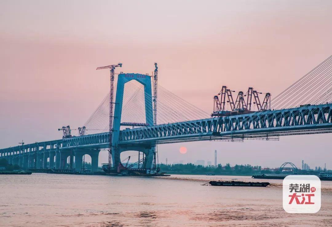 长江三桥商合杭高铁将于今年五月完全合龙