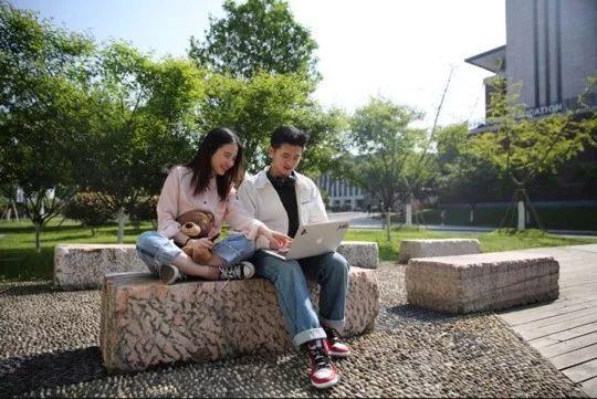 有一位学霸男女友是什么体验?温州这对情侣学霸双双拿下全美排名前十大学