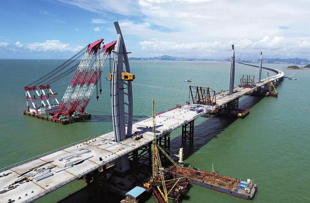 5月1日上映 港珠澳大桥 港珠澳大桥的宏伟壮丽,欢迎各单位企业包场