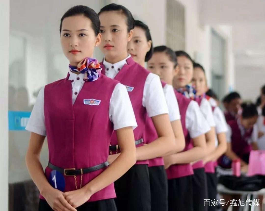 四川某航空公司举办空乘招聘会,领略准空姐风采图片