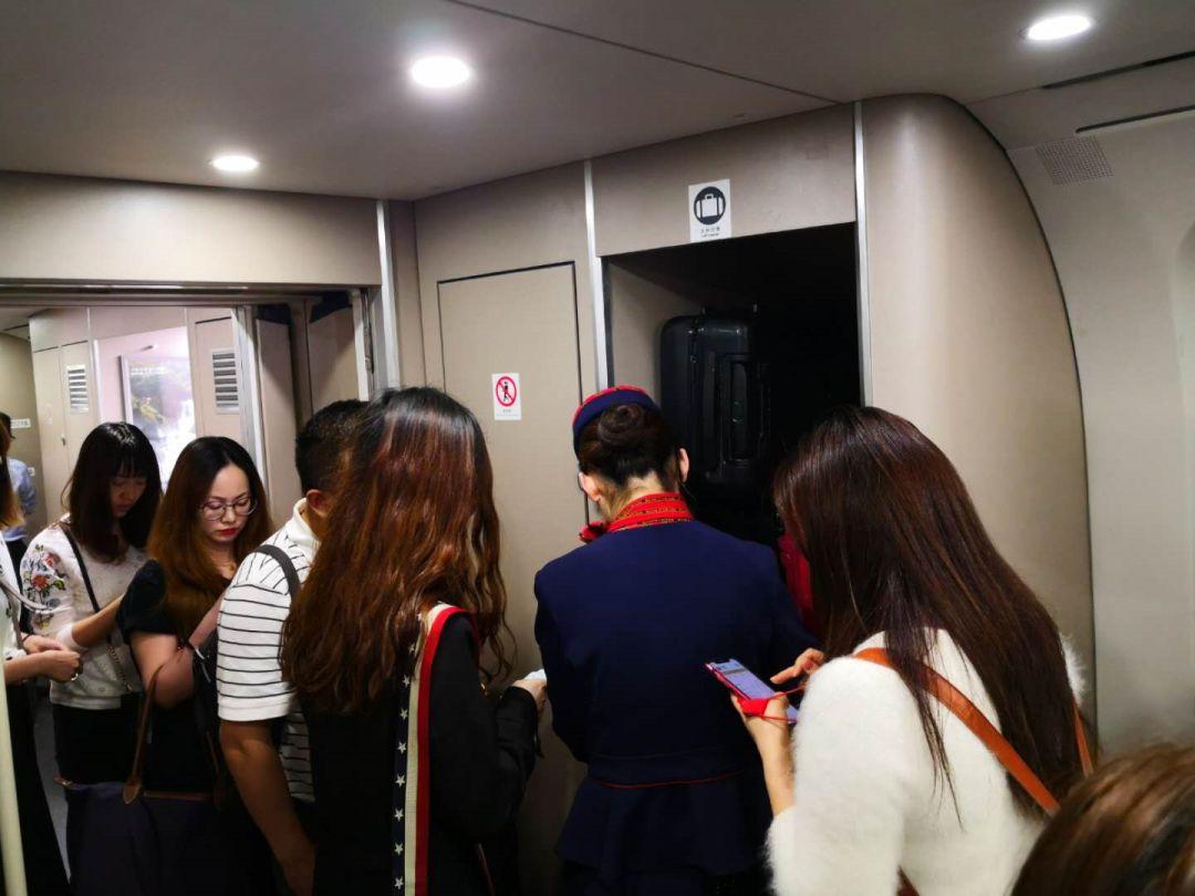 突发!京广线高铁大面积晚点,有乘客在长沙南
