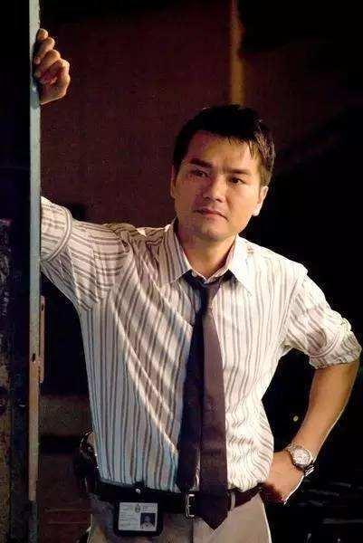 他演30多年配角终成影帝,用后半生向刘德华报恩 今52岁生活朴素