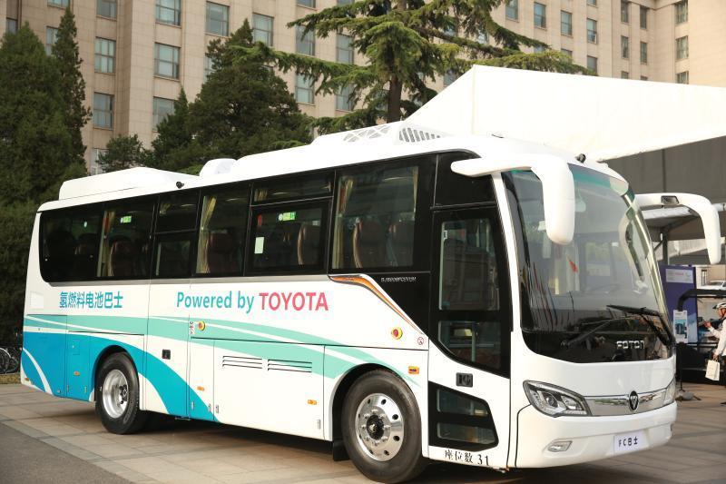 三方合作的氢燃料电池客车
