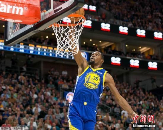 NBA杜兰特汤普森合砍65分 勇士力克快船夺赛点