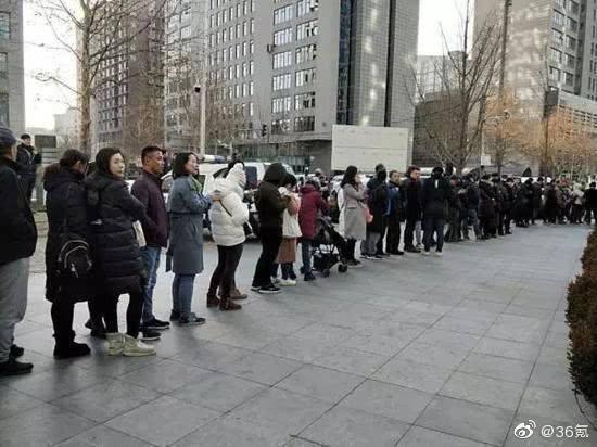科技神回复 | 上海特斯拉自燃起火,这是要抢了奔驰的头条吗?