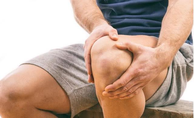 膝关节红肿疼痛怎么回事 警惕4个疾病,护住膝盖