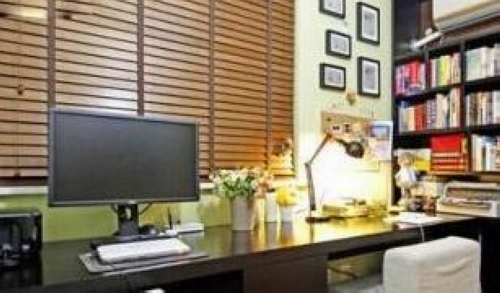 易经博士详解住宅之书房 桌上物品摆放有规则