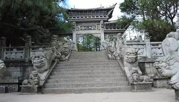 中国制造的奇迹:汇聚九个朝代石雕狮子,体积也是世界最大
