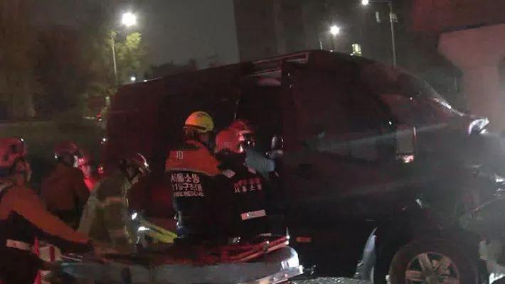 7人男团遭遇车祸!成员重伤抢救中,经纪人不幸身亡…