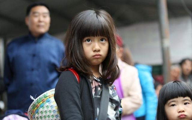 黄磊女儿13岁出落成一米七大姑娘,亲妈吐槽:演员当不成了
