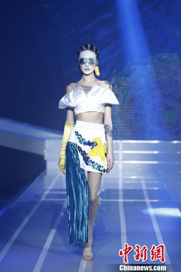 中国AI技术挑战人类服装设计师成时尚弄潮新宠