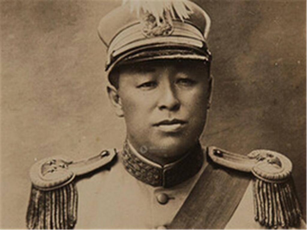 他本是东北军一员猛将,九一八之后,放弃荣华富贵劝子投奔八路军