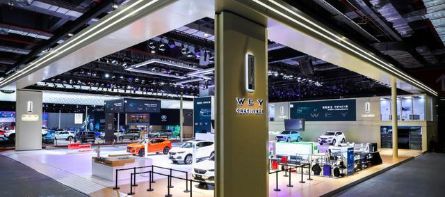 你见过带四个轮子的科技产品吗?请聚焦上海车展WEY品牌!