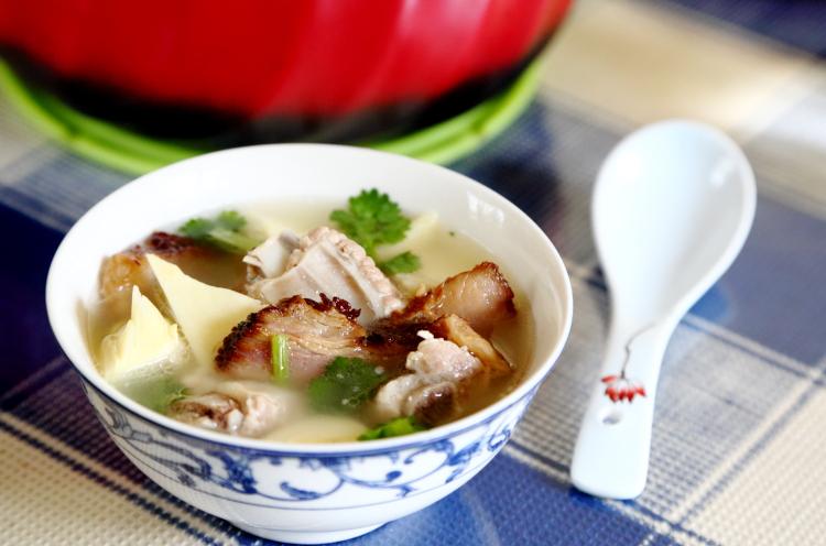 最爱的还是这汤,清甜鲜美,不用盐不放味精,好喝不油腻