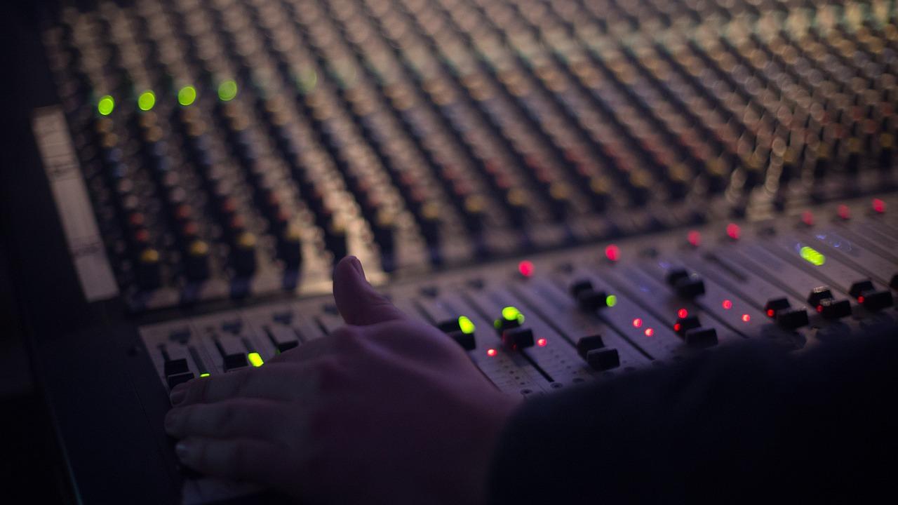80后为主要人群,日收听时长近4小时,蜻蜓FM的会员体系要做什么_内容