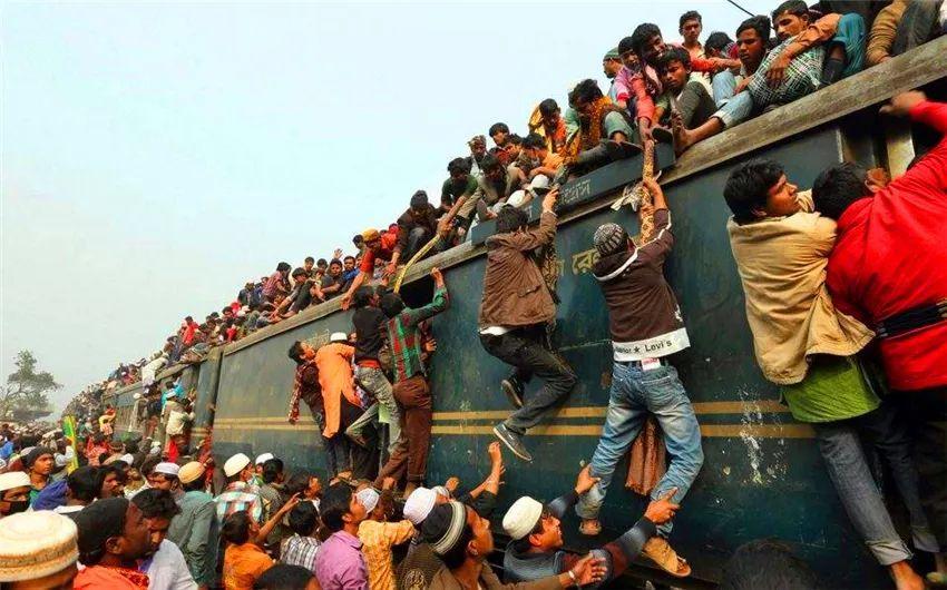 印度地铁又脏又乱还挤满人?中国游客:事实应该是这样的,别再误传了!