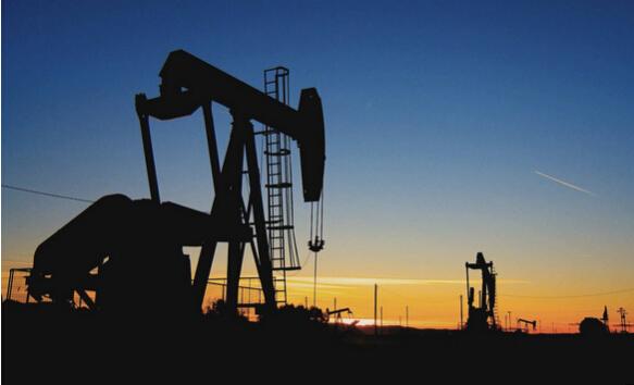 拍案而起 [【今日原油行情】原油拍案而起 美油布油飆升近3%創年內新高]