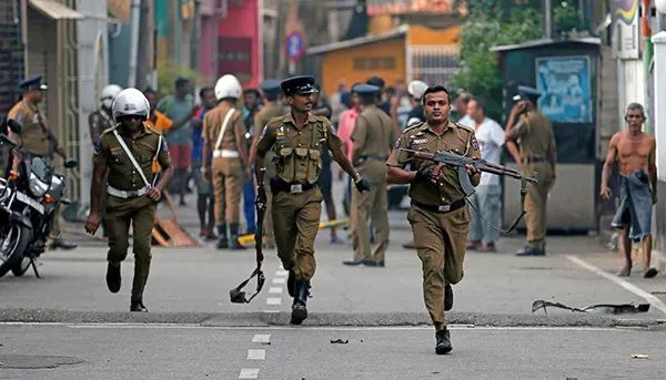"""""""伊斯兰国""""宣布对斯里兰卡爆炸负责!死亡人数升至321人!"""