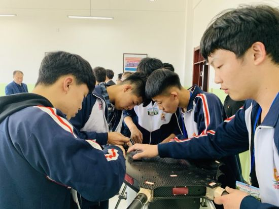 """讷河市职业技术教育中心学校""""批量""""培养新型职业农民"""