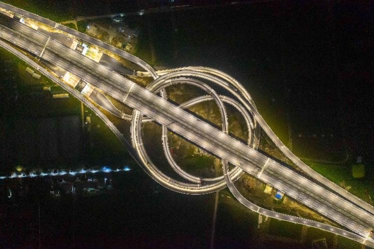 从莞深高速何时通车_莞番高速一期通车,东莞市区到南沙大桥省时半个钟_海鸥