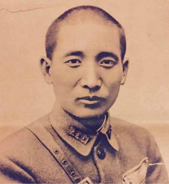 <b>毛主席称他是延安的好朋友,而蒋介石却称他为革命叛徒</b>