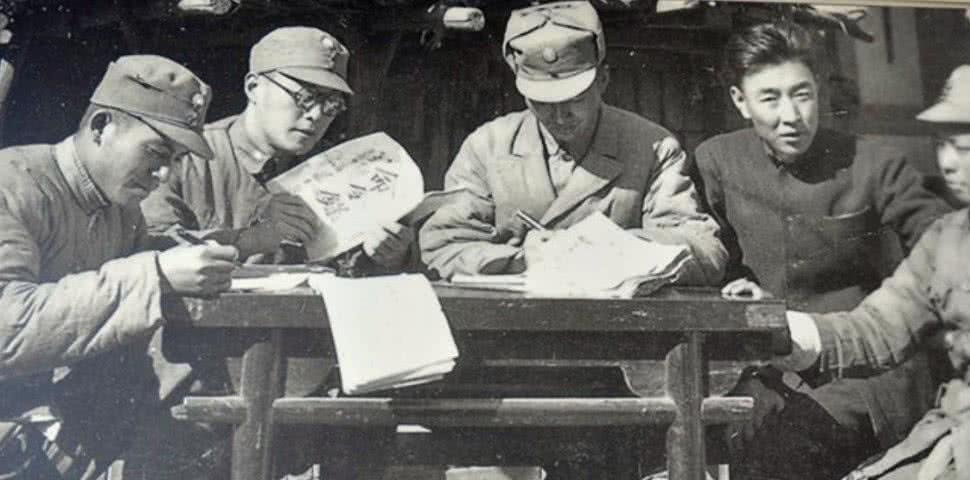 抗战我军牺牲最高将领,敢与毛主席拍桌子叫板,儿子成知名上将