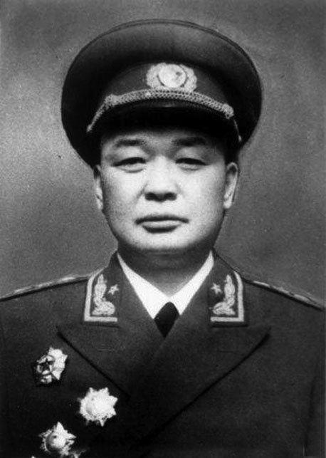 此人曾三次担任红军同一个军军长,称这是党的部队,后授上将!
