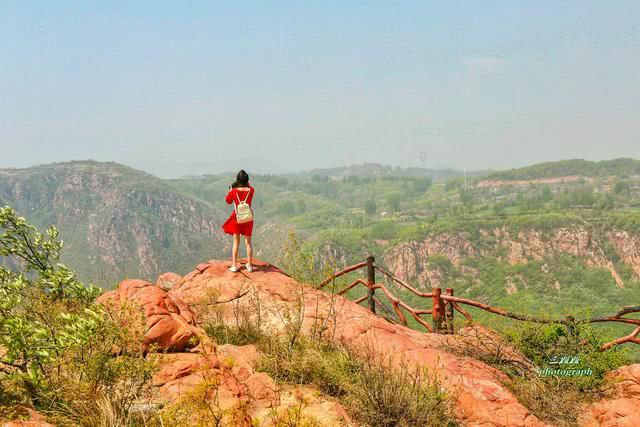 距离郑州最近的丹霞石林 神秘惊险 让你挑战不可能