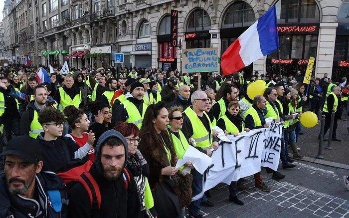 """巴黎""""黄背心""""运动持续进行 旅游局表示不会威胁游客安全"""