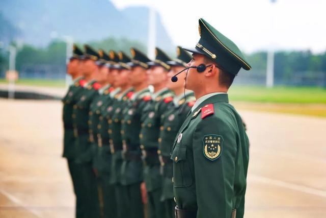 军人队列动作标准变化,这些新增内容要知道!