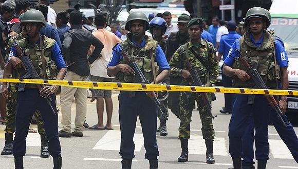 斯里兰卡出动8000军力追捕嫌犯,不排除在逃人员再次发动袭击