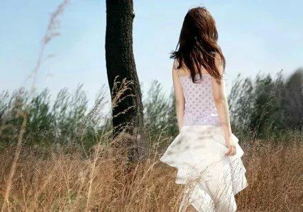 很现实的人生感悟说说:生活没有对错没有好坏只是选择