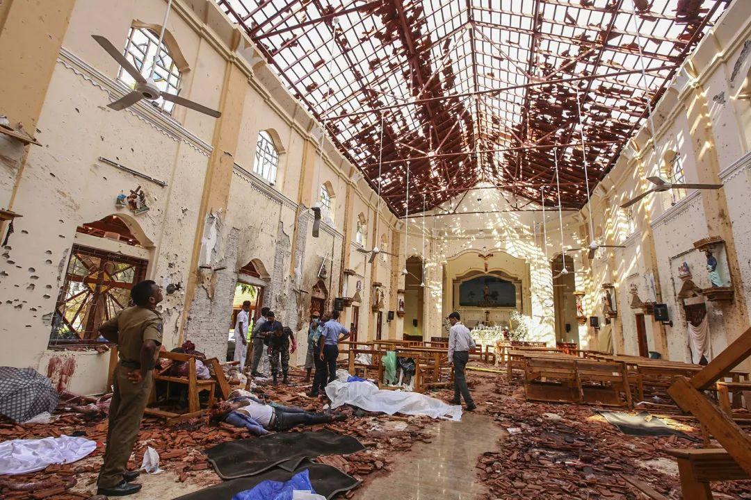憤怒與悲傷過後,斯裡蘭卡自殺式襲擊者浮出水面_爆炸
