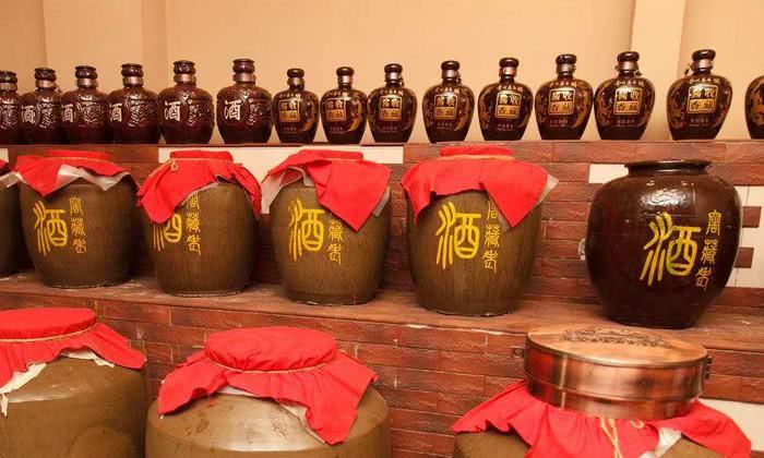 家庭酿酒设备-如何在自己家中正确储存白酒?
