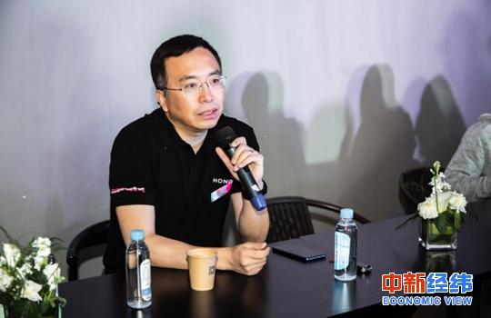 荣耀总裁赵明:荣耀不擅长打口水仗,将启动新计谋